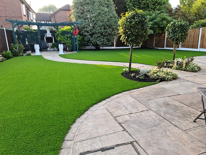 Artificial grass for gardens